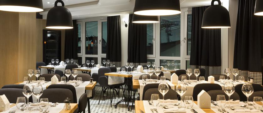 15.Araucaria Hotel & Spa - Restaurant HD.jpg